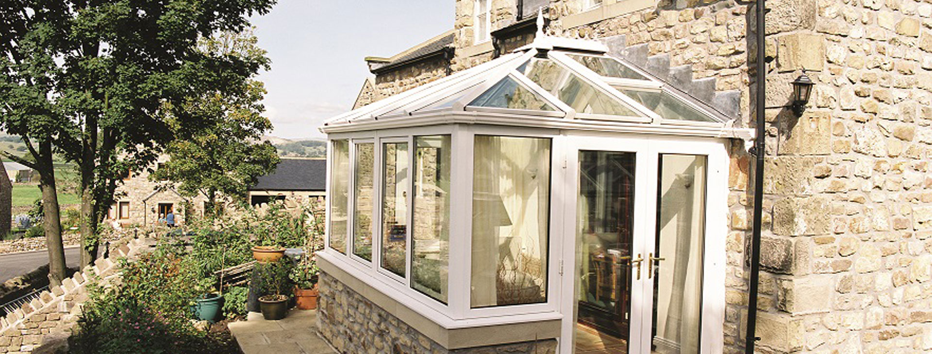 small-conservatory-1920x730
